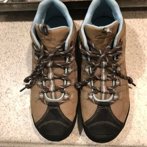 Women's Clark hiking boots